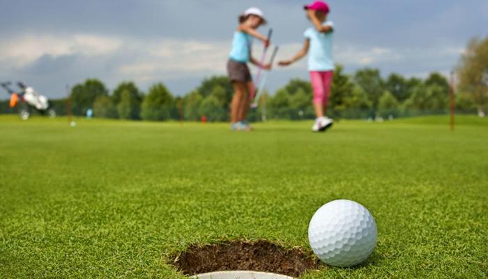 Lợi ích của chơi golf đối với trẻ em, học sinh